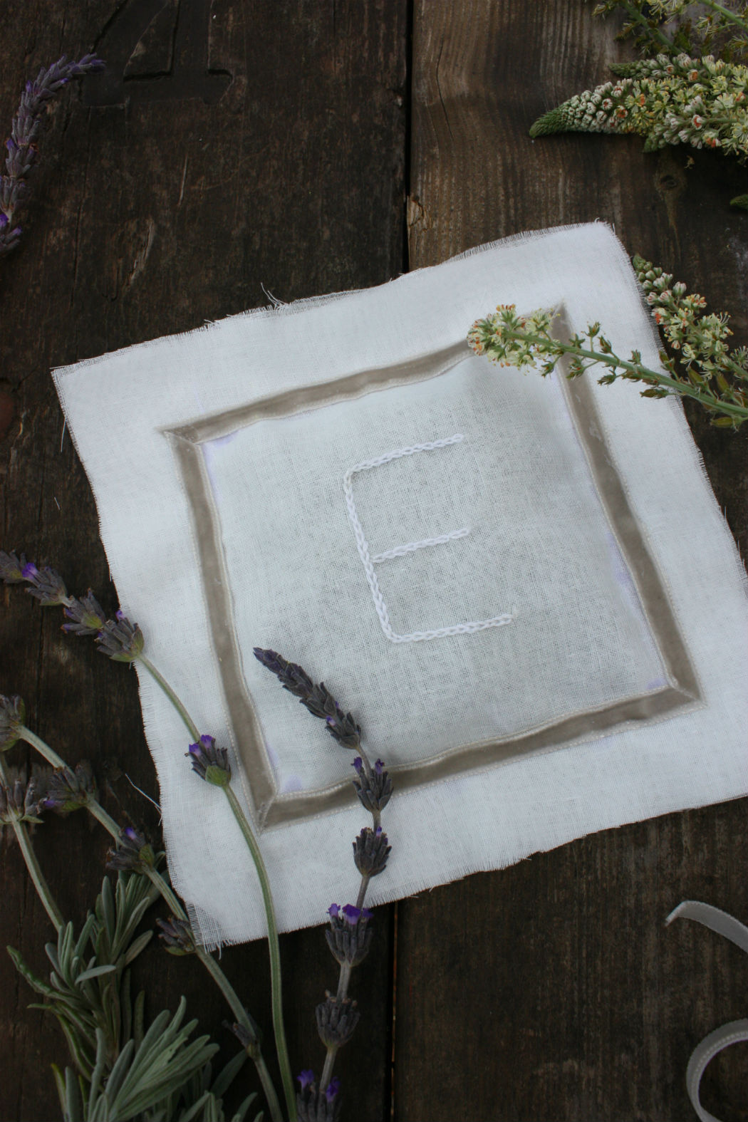 diy lavender scented pillow