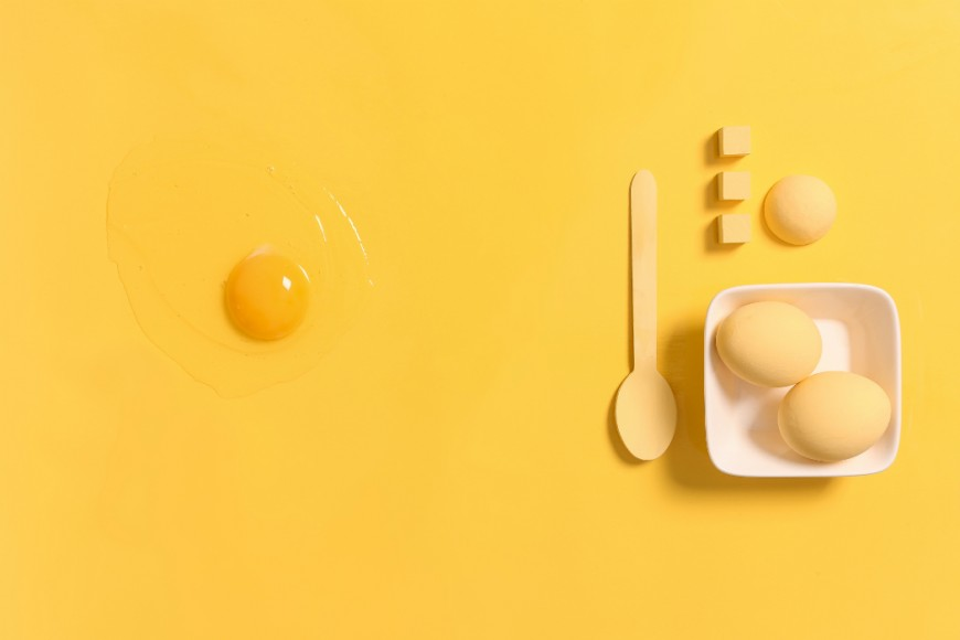 yellow eggs, egg yolk, tea spoon