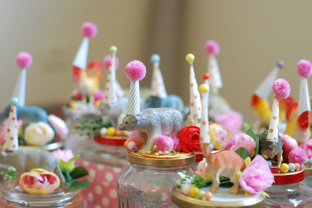 colorful joyful jars clown animles favors