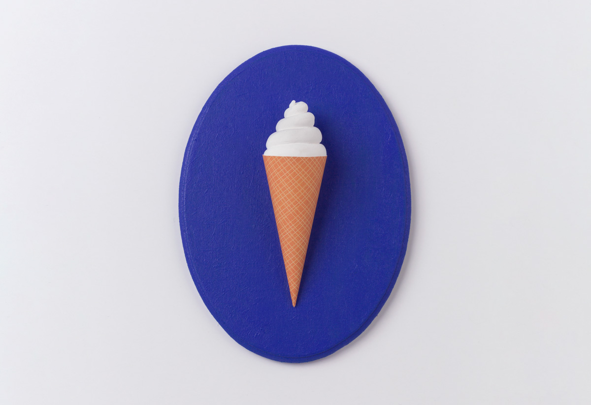 make 3d klein blue ice cream to decorate your wall and serve as a key holder diy