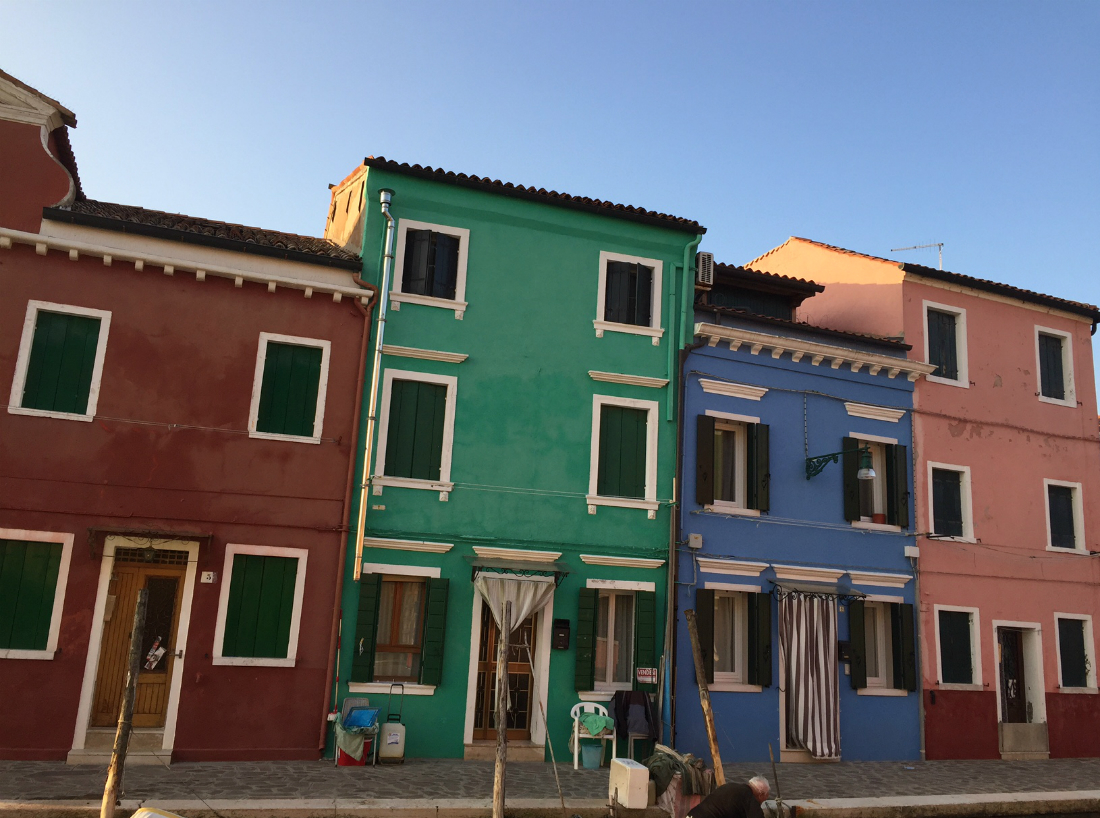 burano italy colorful houses