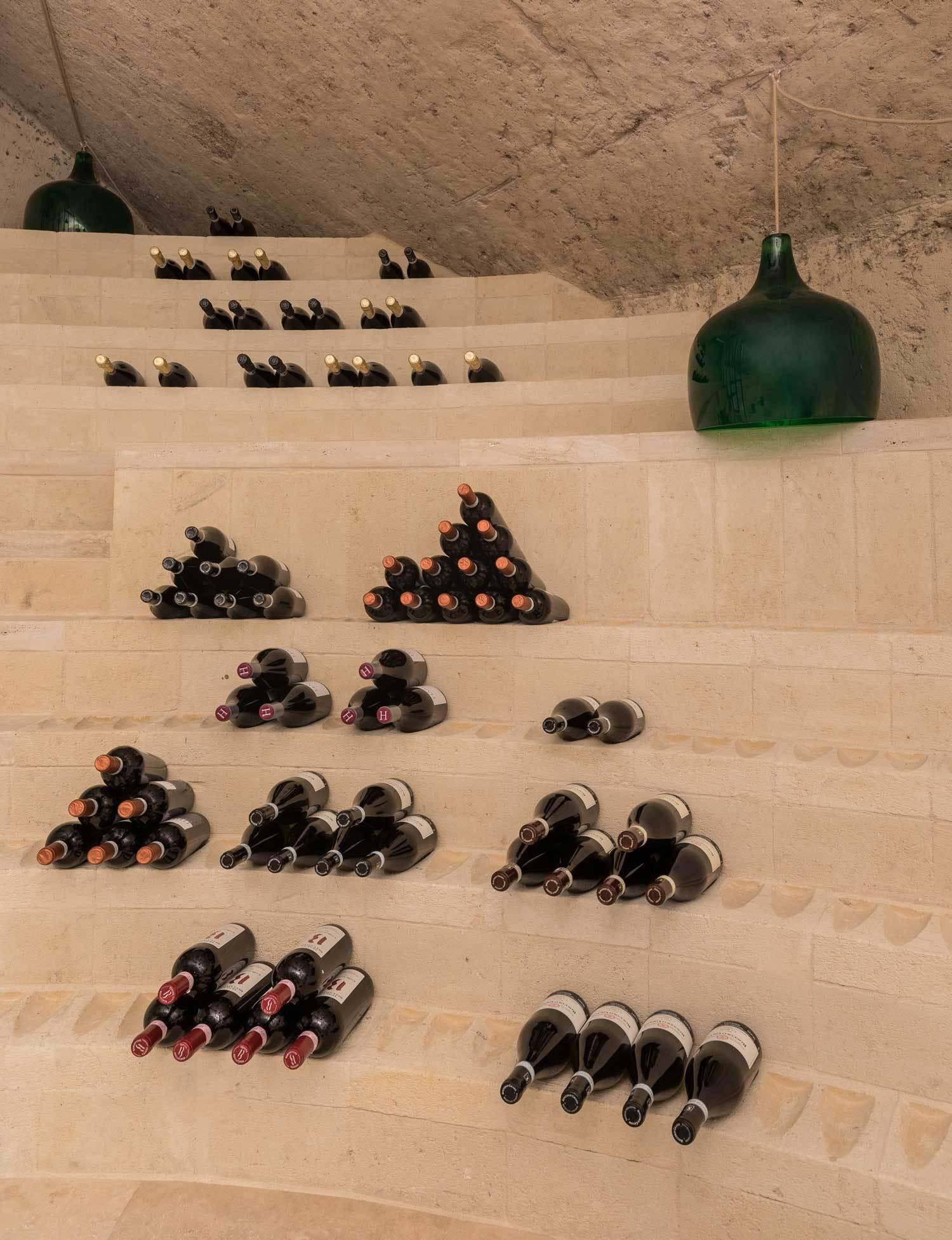 Enoteca-dai-Tosi-Wine-Bar-in-Matera-Italy-by-Architecten-De-Vylder-Vinck-Taillieu-cafeveyafe (11)