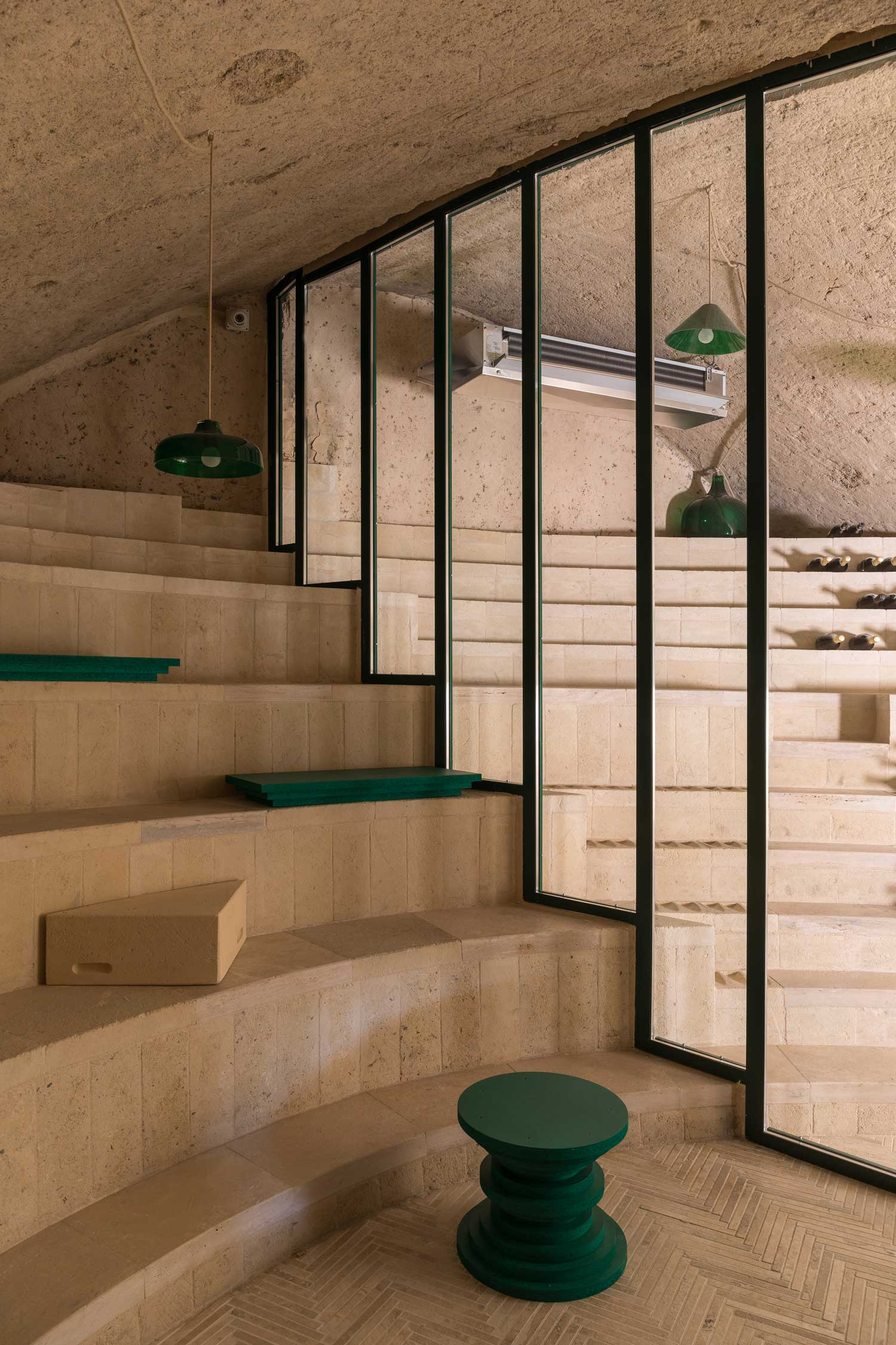Enoteca-dai-Tosi-Wine-Bar-in-Matera-Italy-by-Architecten-De-Vylder-Vinck-Taillieu-cafeveyafe (16)