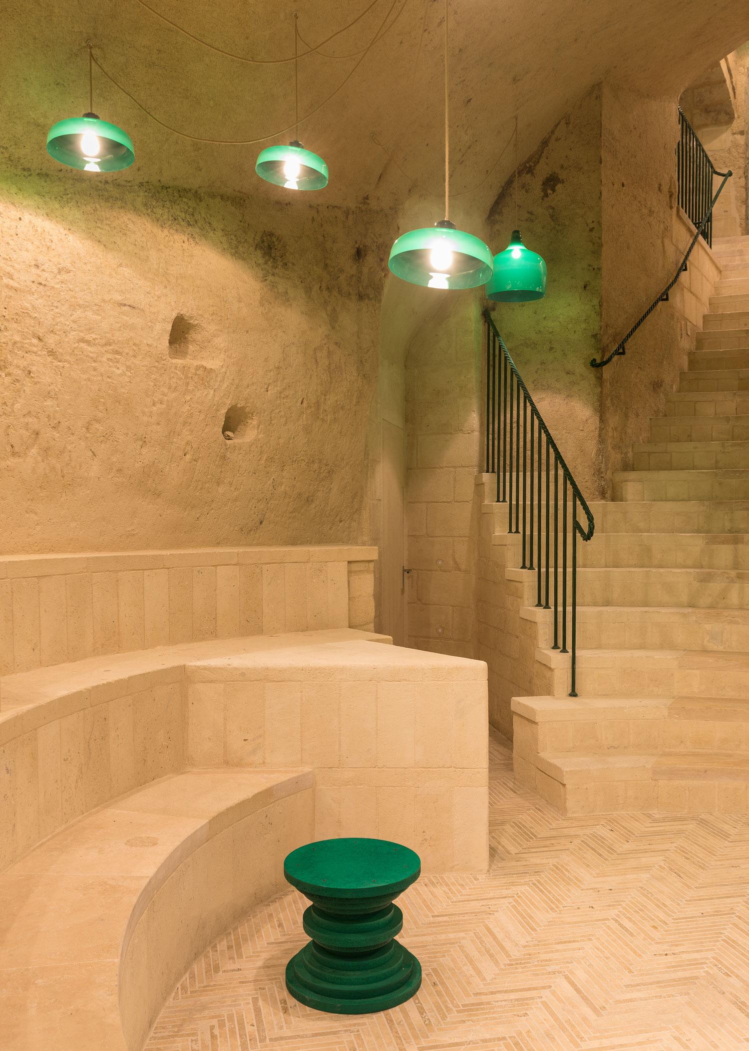 Enoteca-dai-Tosi-Wine-Bar-in-Matera-Italy-by-Architecten-De-Vylder-Vinck-Taillieu-cafeveyafe (5)