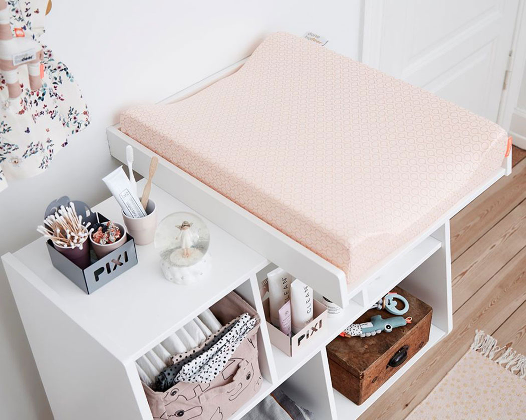 pink nursery design