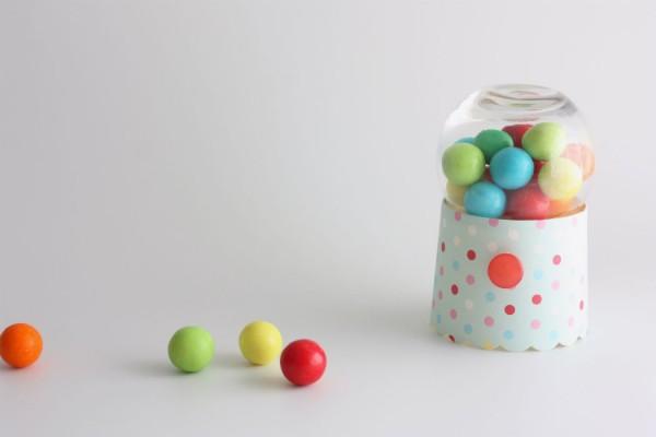 משלוח מנות chewing gum machine purim shalach manot idea