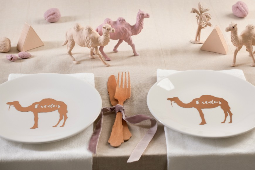 desert themed passover tablescape jewish hostess (2)